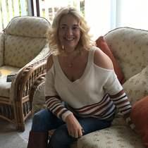 Suzanne C
